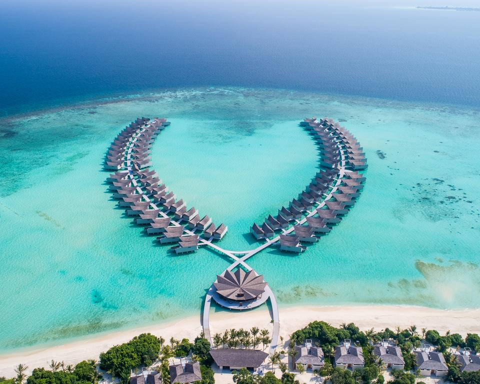 maldives is one of the most romantic honeymoon destinations