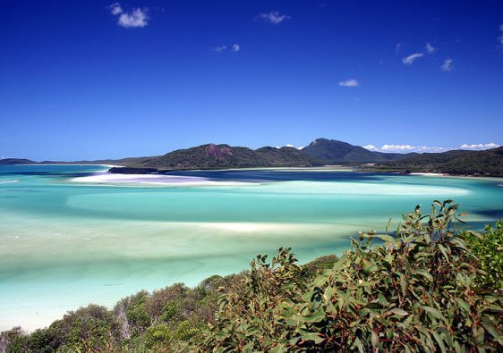 Whitsunday Island iis one of the top honeymoon destinations in Australia